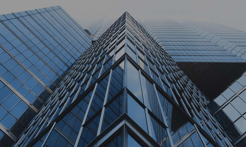 Byggnad med glas